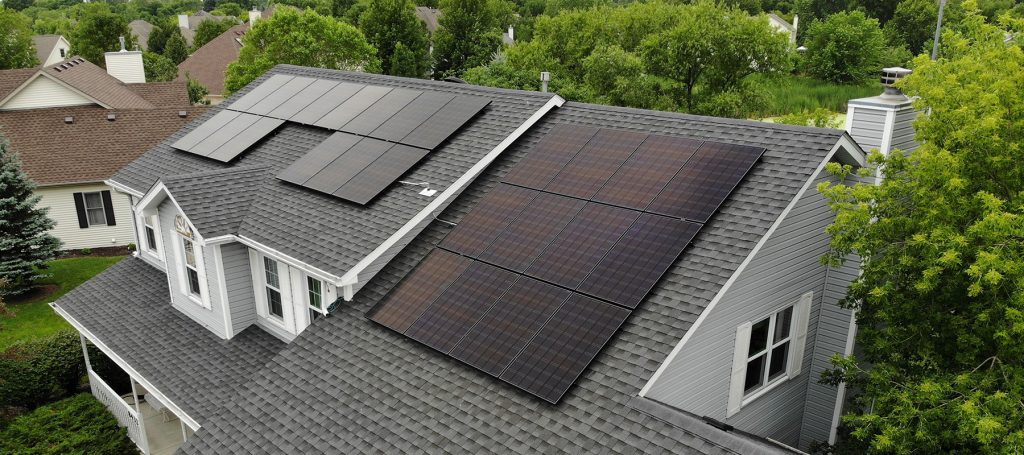 7 Facts About Solar Energy The Average Homeowner Doesn't Know | Solar panels are not just a great way to save money on your energy bill while keeping your carbon footprint down. They're also a relatively new and underestimated piece of technology. There are many misconceptions about how well solar panels work. That's why we're sharing this blog post with 7 facts about solar energy.