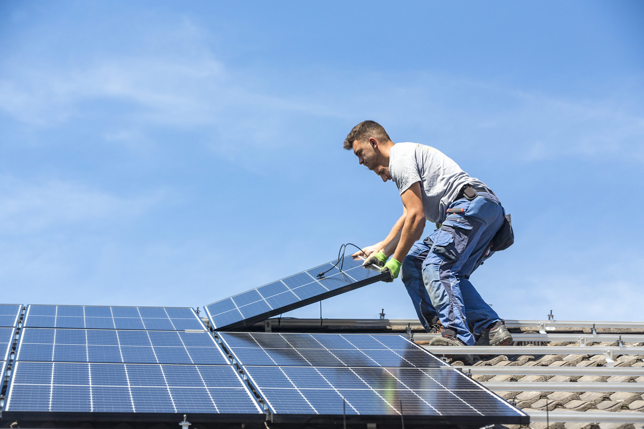 how solar panels can save money
